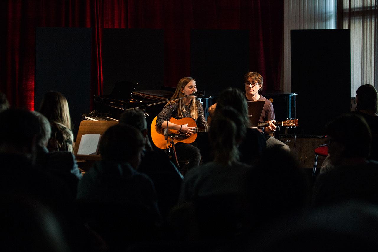 Klavierunterricht Gesangsunterricht Gitarrenunterricht
